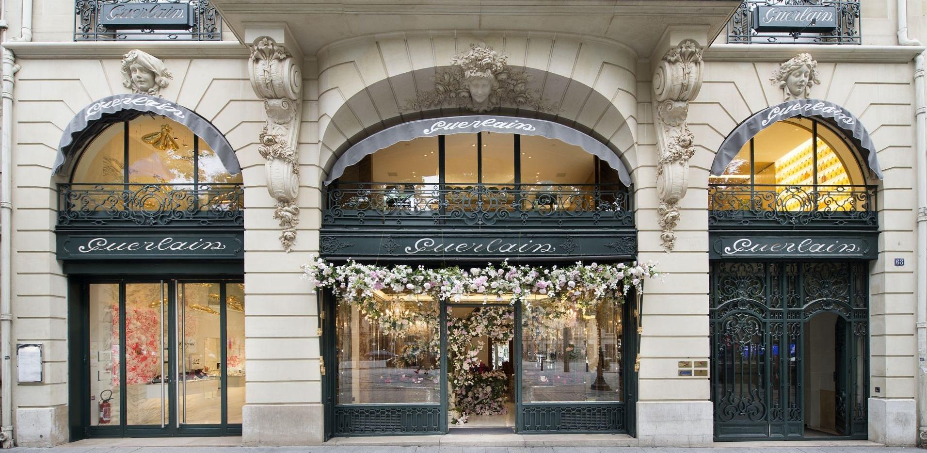 68号的Guerlain当之无愧地成为香街最著名的百年老店。100多年后这座新艺术风格的老楼还是那么雍容华贵。可是它70号的老邻居现在身在何处?