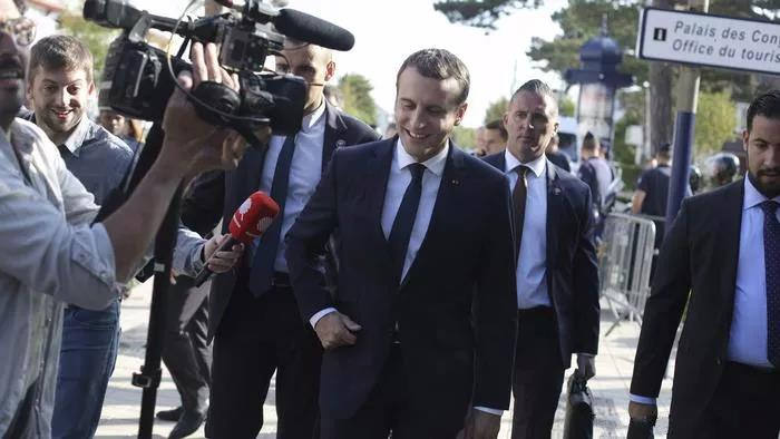 法国的政治仿佛一直受到全世界的关注,特别是近期的黄马甲