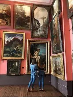 这一改造往往被认为是这位象征主义的画家生前最后一部伟大的作品,因为这一部作品把莫罗先生生前留下的上万幅画作都收纳其中,并且以他的想法,忠实地呈现艺术家的内心世界。