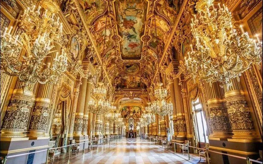 歌剧院休息大厅