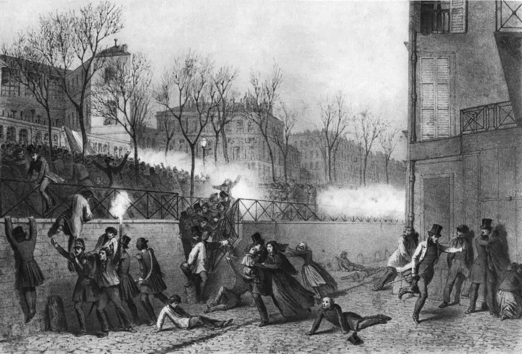 街头的铺路石也见证了历史的悸动,王朝在这里翻页,它们见证了法国的第一任总统!