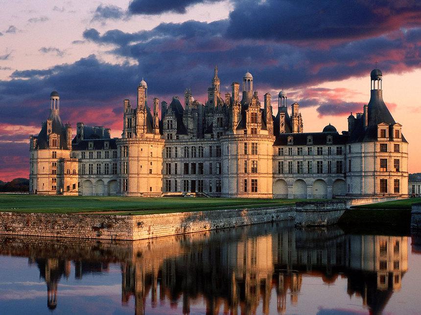 巴黎(Paris)-  昂布瓦兹城堡(Château d'Amboise)-克洛·吕斯城堡(Château du Clos Lucé)-卢瓦尔河谷的葡萄酒庄 - 巴黎(Paris)
