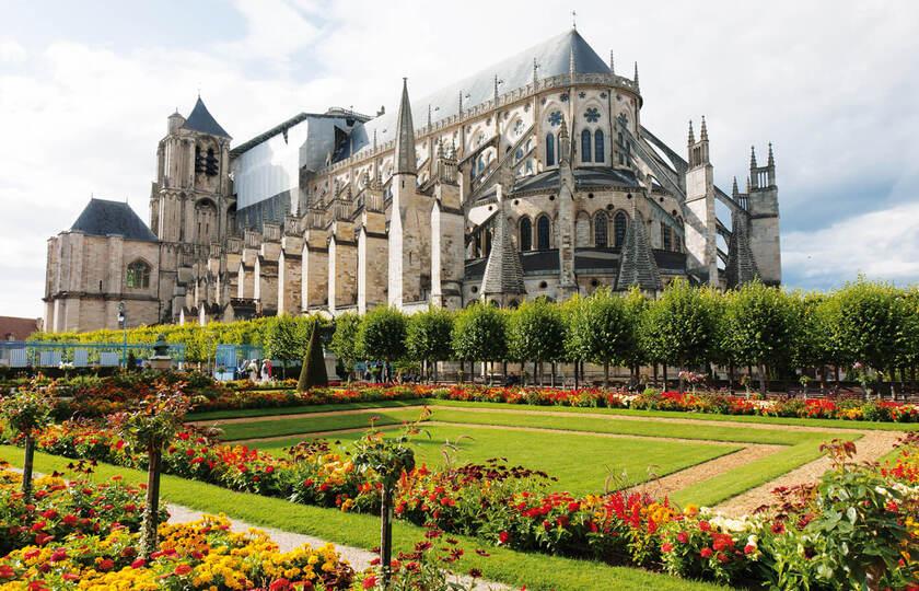 巴黎 (Paris)- 布尔日(Bourges)- 薇姿(Vichy)