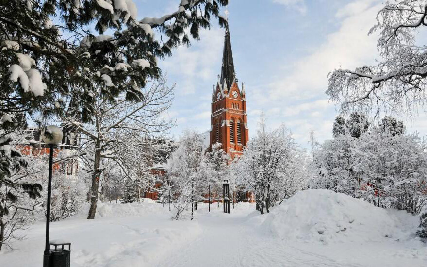 赫尔辛基-奥卢-凯米湖