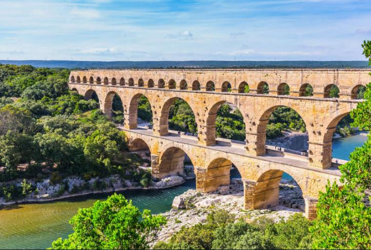 里昂(Lyon)- 嘉德水桥(Pont Du Gard)-阿维尼翁(Avignon)