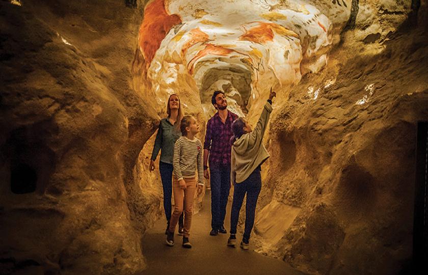 拉斯科岩洞(Lascaux) - 罗克·德·卡泽尔洞穴(Les Grottes du Roc de Cazelle)