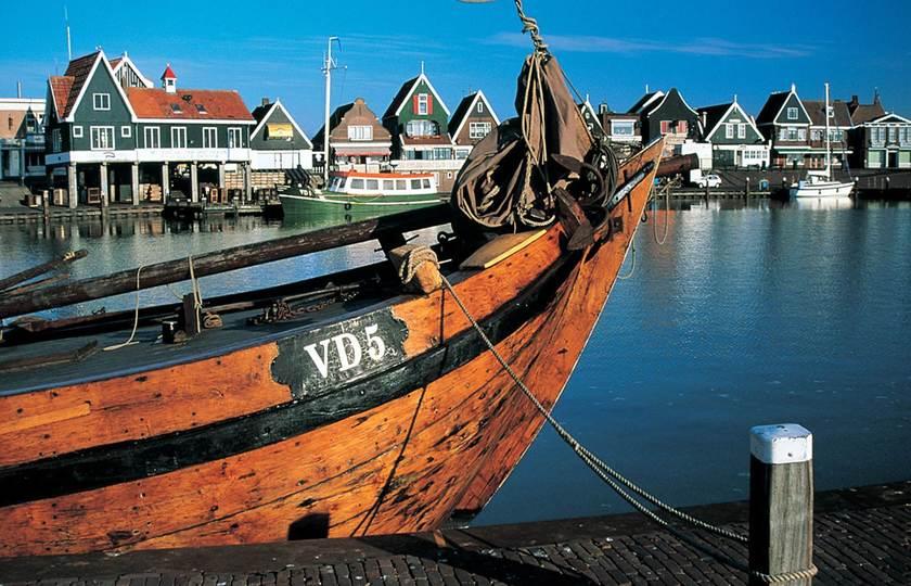 海牙(Den Haag)(或库肯霍夫花园(Keukenhof Garden) – 北海渔村(Volendam)