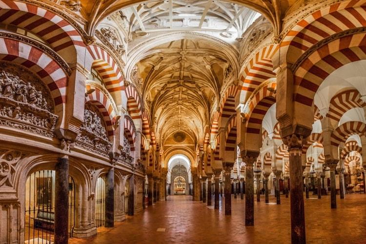 塞维利亚(Servilla)-科尔多瓦(Córdoba)或马拉加(Málaga)(205KM)