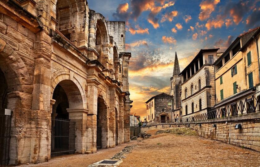 尼姆(Nîmes)-- 嘉德水桥(Pont du Gard)-- 阿尔勒(Arles)