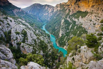瓦伦索勒(Valensole)(根据薰衣草季节变化行程会有变化)--韦尔东峡谷(Gorges du Verdon)--圣十字湖(Lac de Sainte-Croix)