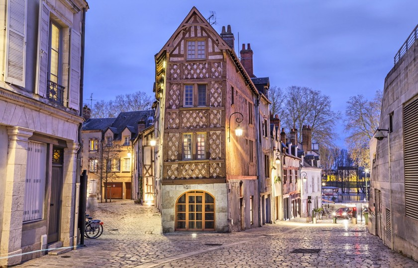 布鲁瓦城堡(Chateau Blois)- 奥尔良(Orlean)- 巴黎(Paris)