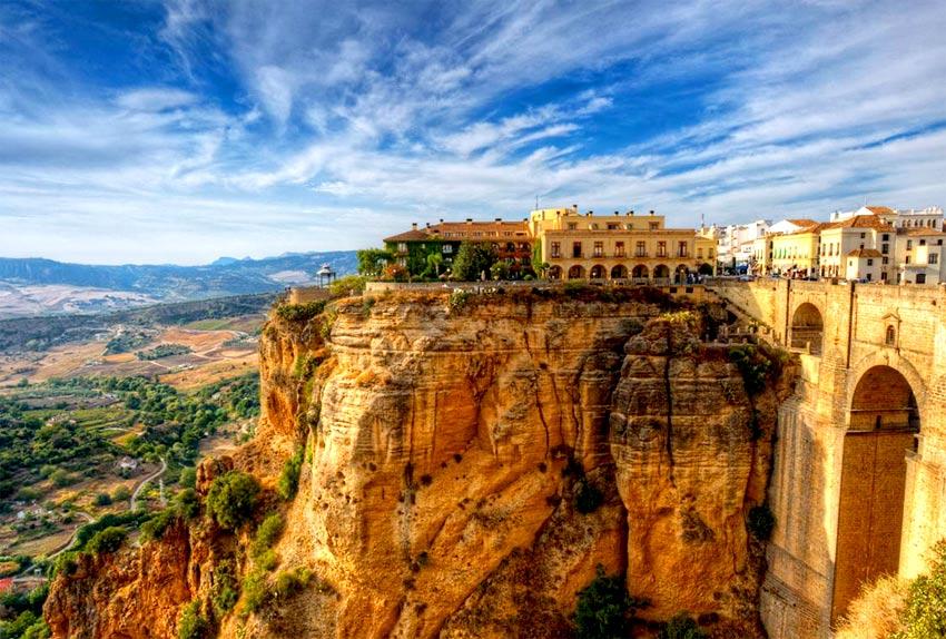 科尔多瓦(Córdoba)或马拉加(Málaga)-米哈斯(Mijas)-龙达(Ronda)(285KM)