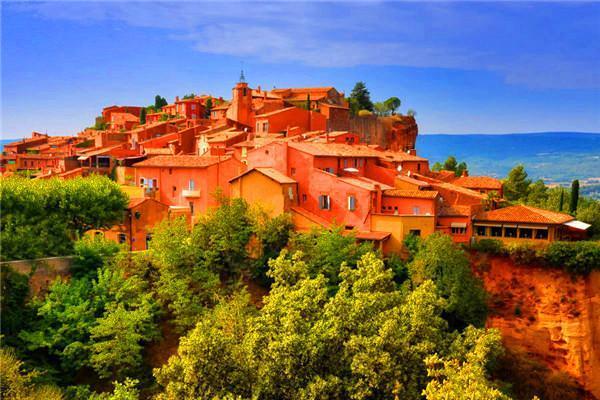 红土城(Roussillon)-泉水小镇(Fontaine de vaucluse)-戈尔德(Gordes)