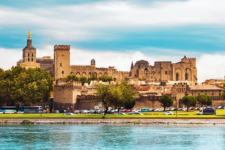 嘉德水桥(Pont Du Gard)-阿维尼翁(Avignon)