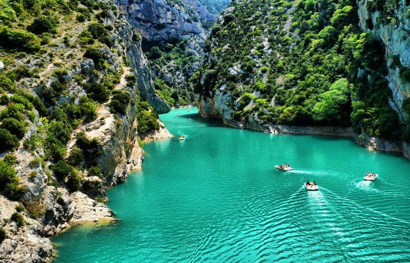 韦尔东峡谷(Gorges du Verdon)-- 圣十字湖(Lac de Sainte-Croix)--瓦伦索勒(Valensole)/索村薰衣草(Sault)