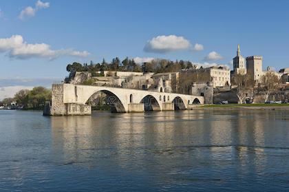 阿尔勒(Arles)--尼姆(Nîmes)--嘉德水桥(Pont du Gard)--阿维尼翁(Avignon)