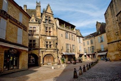 波尔多(Bordeaux)-莎拉小镇(Sarlat)