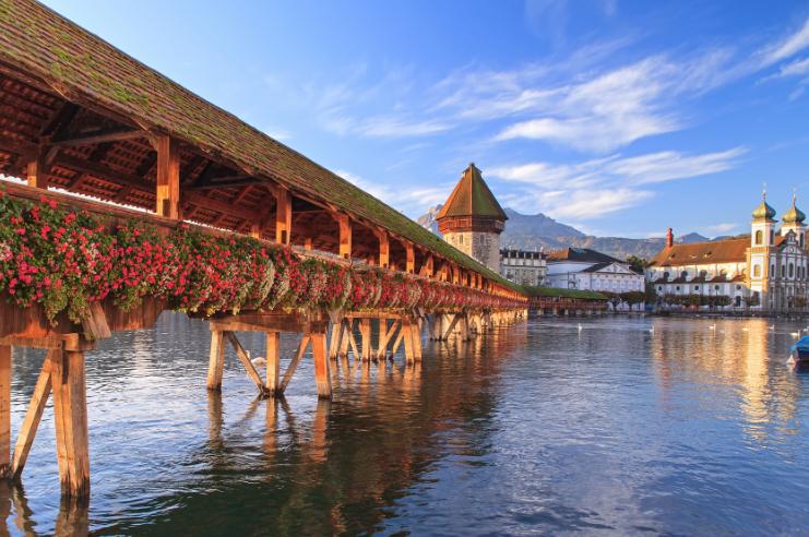 采尔马特(Zermatt)-冰川列车-安德马特 (Andermatt)-卢塞恩(Lucern)