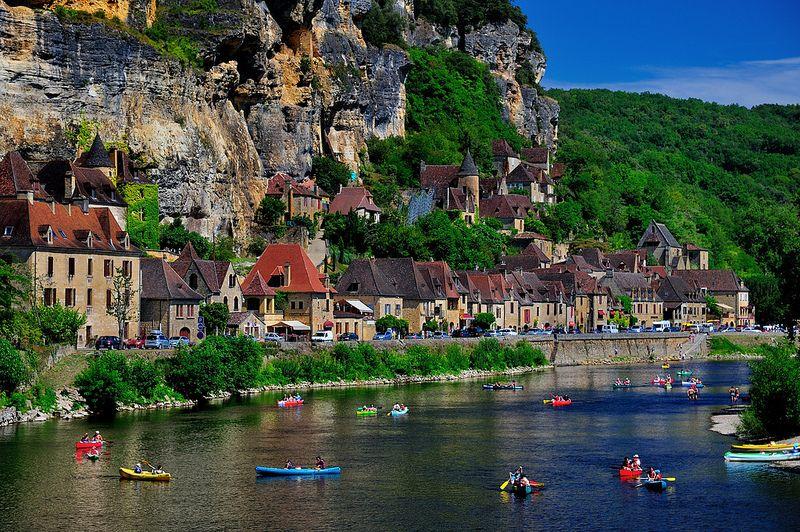 第四条 萨拉拉早市 – 根据时间或可安排参观另外一个小镇 – 贝尔热拉克(Bergerac)