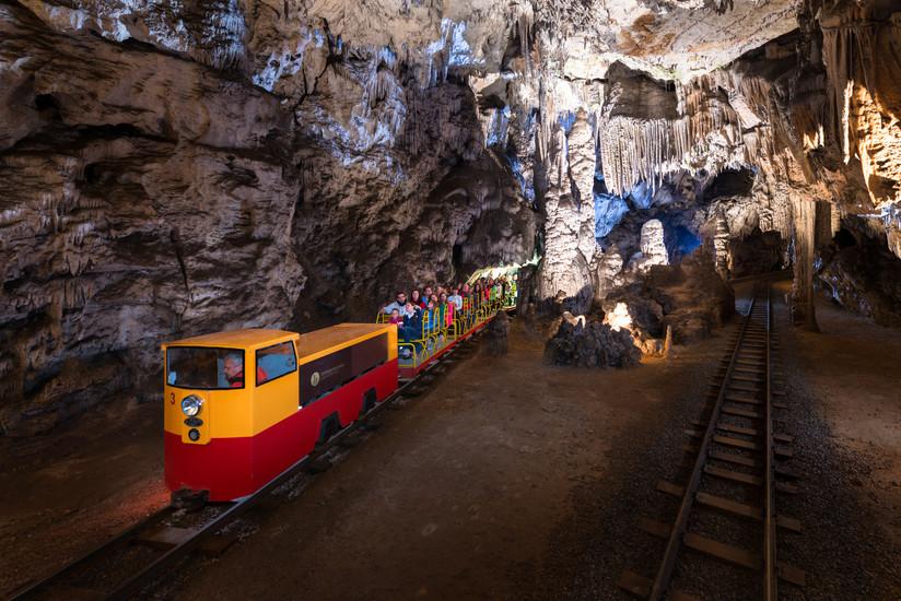 普利特维采(Plitvička) -波斯托伊纳溶洞(Postojna Cave)-卢布尔雅那(Ljubljana)(216KM)
