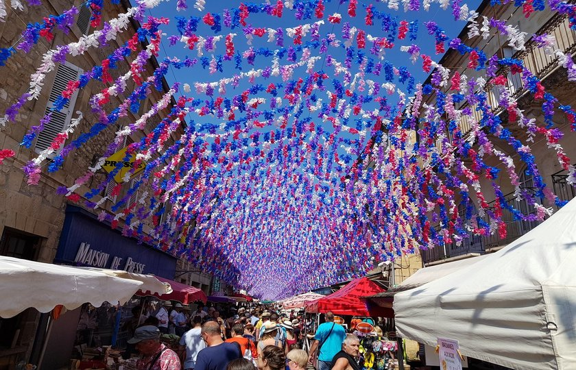 圣西普里安市场(marche de Saint Cyprien) – 品尝黑松露(Atelier Truffe) - 苏亚克(Souillac) – 巴黎(Paris)