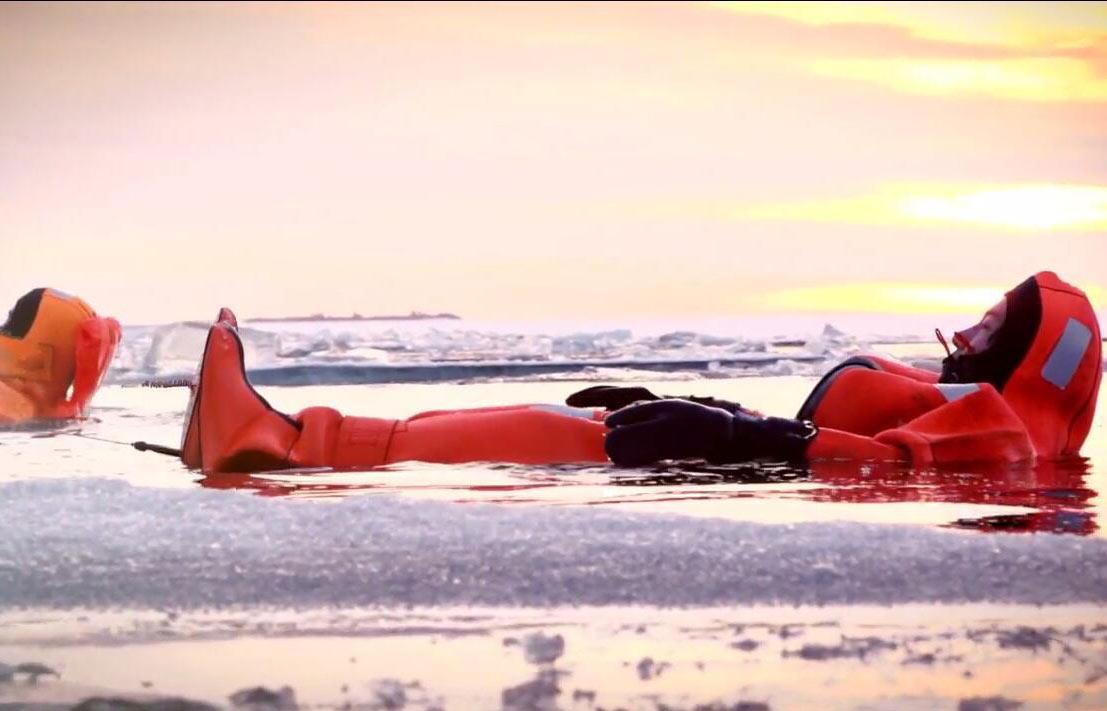 托尔尼奥-吕勒奥丨极地探险破冰轮出海破冰,体验超刺激海中冰浮