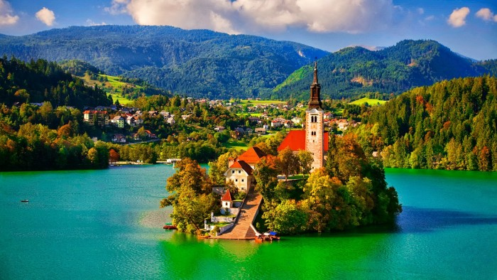 普利特维采(Plitvička Jezera)-卢布尔雅那(Ljubljana)-布莱德湖(Bled)(262KM)