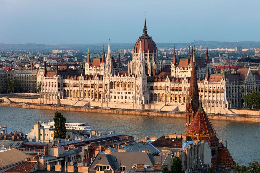 布达佩斯(Budapest)