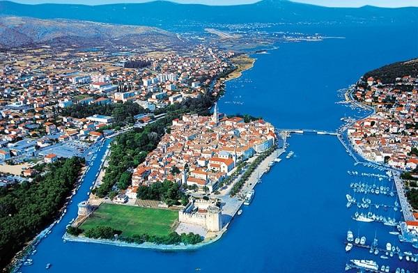 斯普利特(Sipulite)-特罗吉尔(Trogir)-希贝尼克( Sibenik)-扎达尔(Zadar)