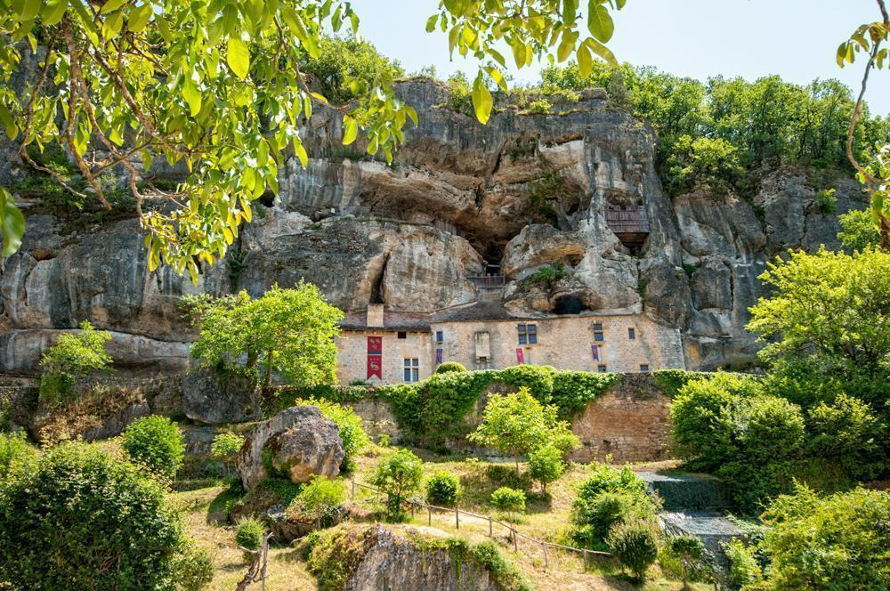 沙拉小镇(Sarlat)-Strong House of Reignac-La Roque St. Christophe (225KM)