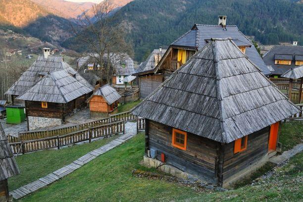 萨拉热窝(Sarajevo)-木头村(Drvengrad)-兹拉蒂博尔(Zlatibor)(178KM)