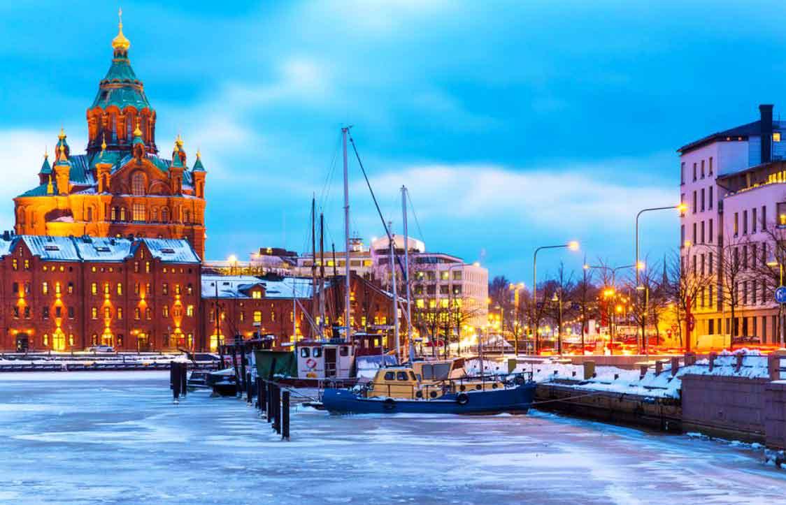 赫尔辛基丨感受极夜下北欧老城,极光之旅告一段落